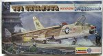 2507М Истребитель F-8U Crusader Electrik Kit Cteates Jet Engine Sound (комиссия) (Lindberg) 1/48